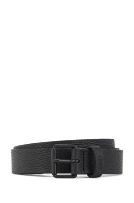 Cinturón de piel granulada con hebilla de rodillo en negro mate, Negro