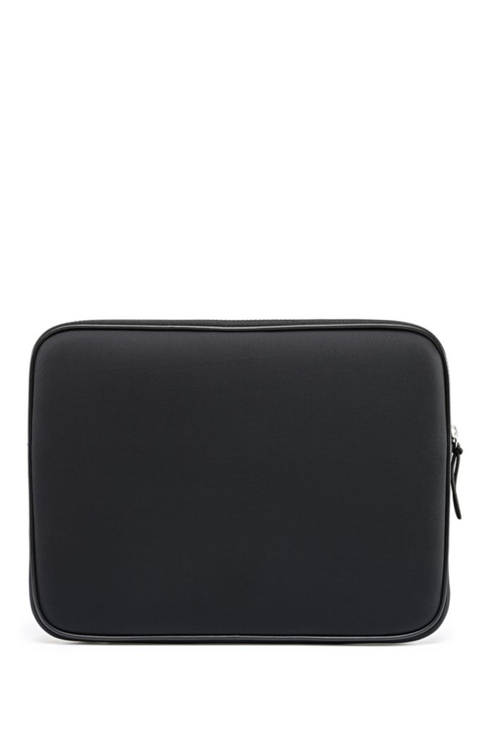 Laptop sleeve in neoprene with faux-leather trims