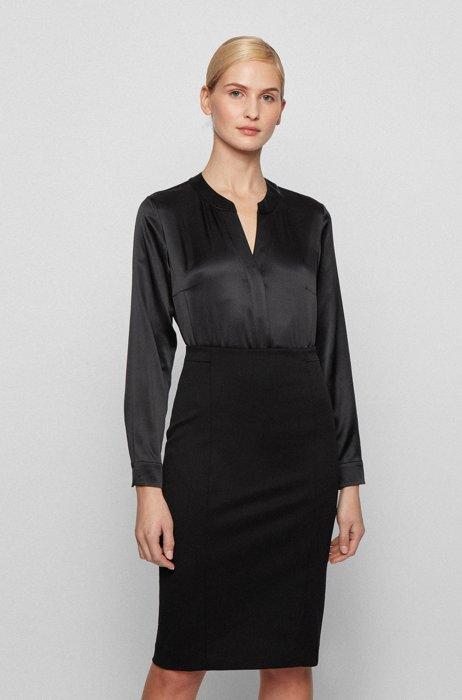 Regular-Fit Bluse aus elastischem Seiden-Satin, Schwarz