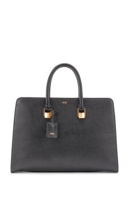 Tote bag in saffiano leather with pyramid hardware, Black