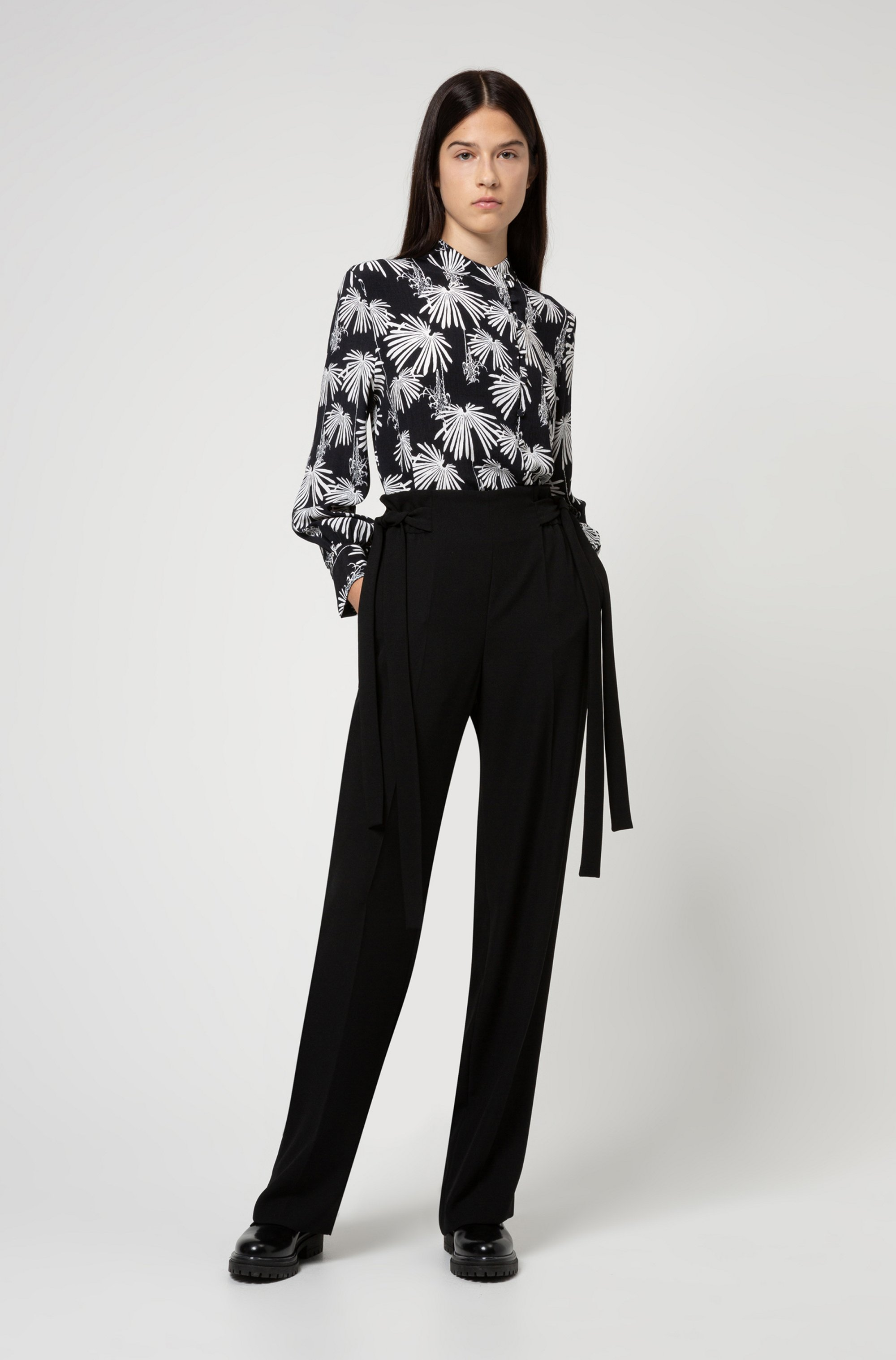 Relaxed-fit trousers with tie-up details