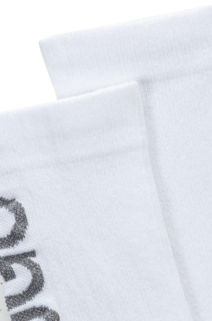 Quarter-length socks with reflective logo intarsia