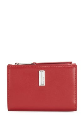 Snap-close wallet in leather with pyramid-shaped hardware, Red