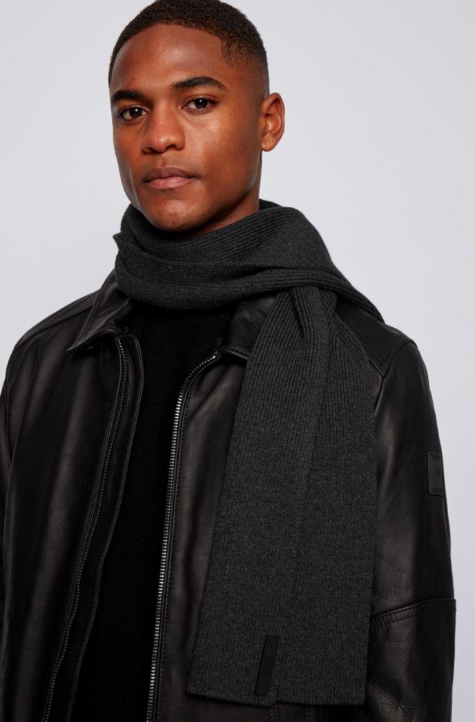 Gerippter Schal aus Baumwoll-Mix mit Silikon-Logo