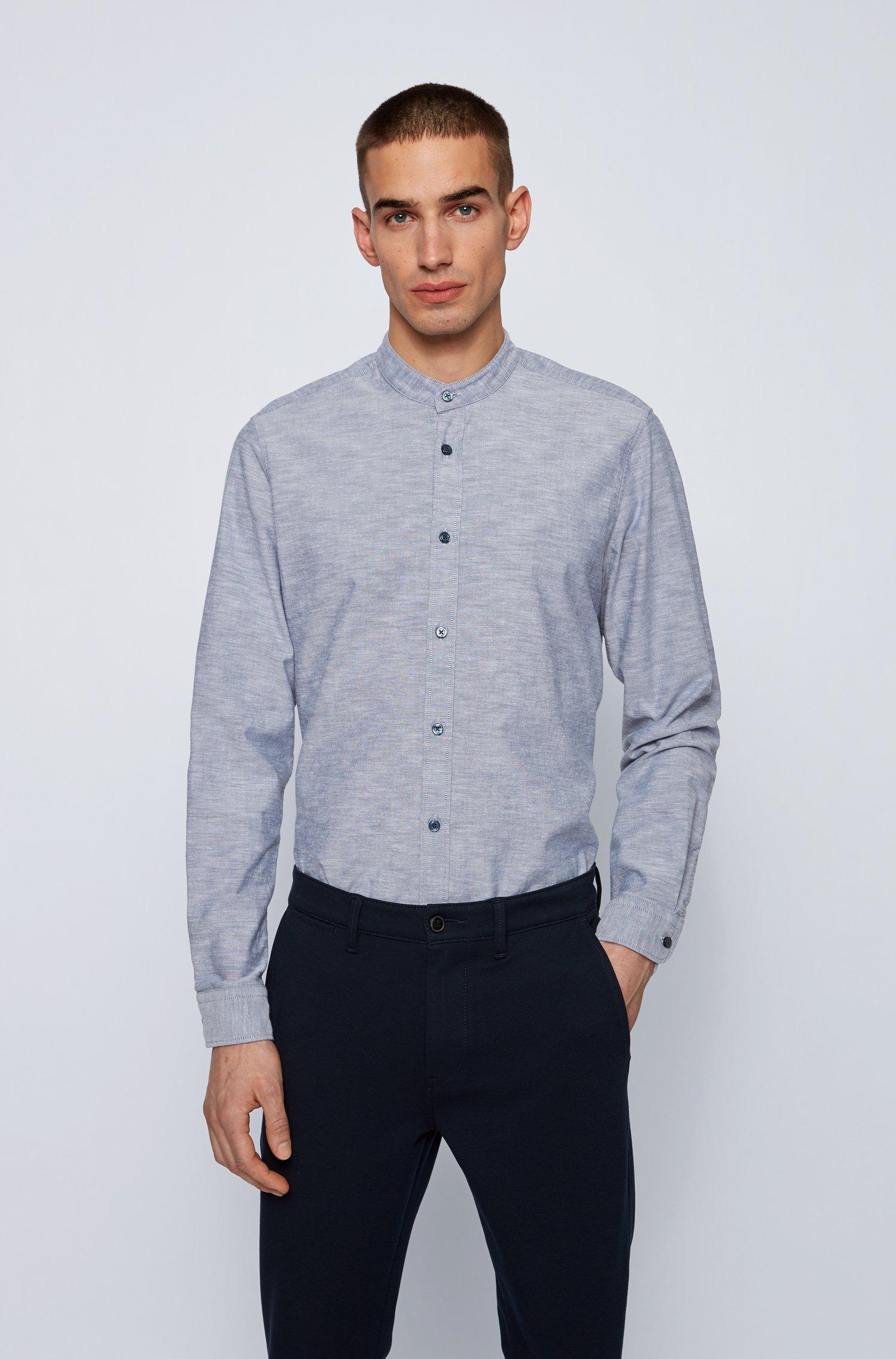 Camicia regular fit in cotone manopesca con colletto rialzato, Blu scuro