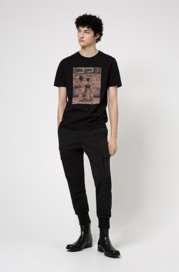 Regular-fit T-shirt in cotton with collection print