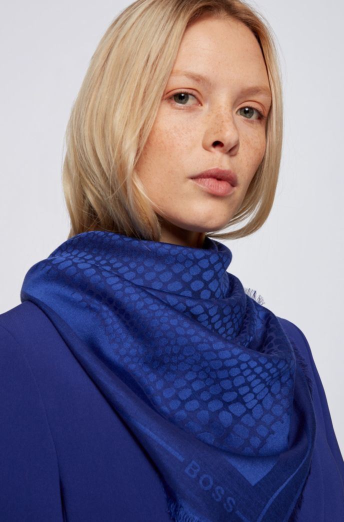 Square scarf in modal and wool with jacquard pattern