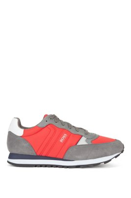 Retro-inspired running trainers with suede trims, Light Red