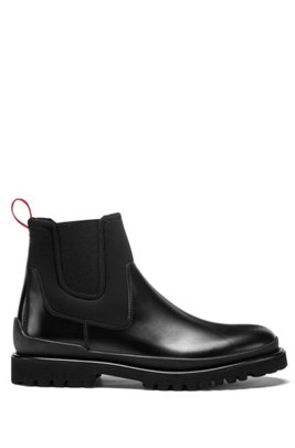Chelsea boots in brush-off leather and stretch fabric, Black