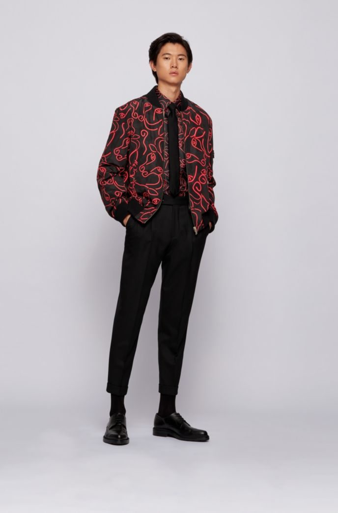 Slim-fit shirt in ox-head-print Italian silk