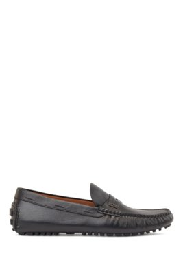 Driver moccasins in grained leather with penny trim, Black