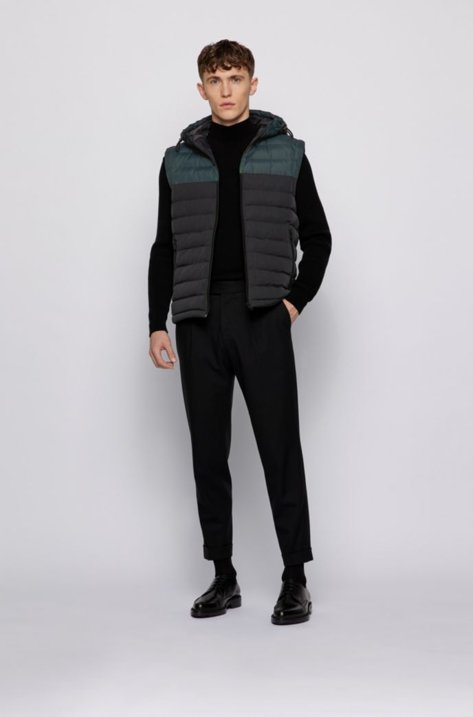 Quilted hooded gilet with water-repellent finish