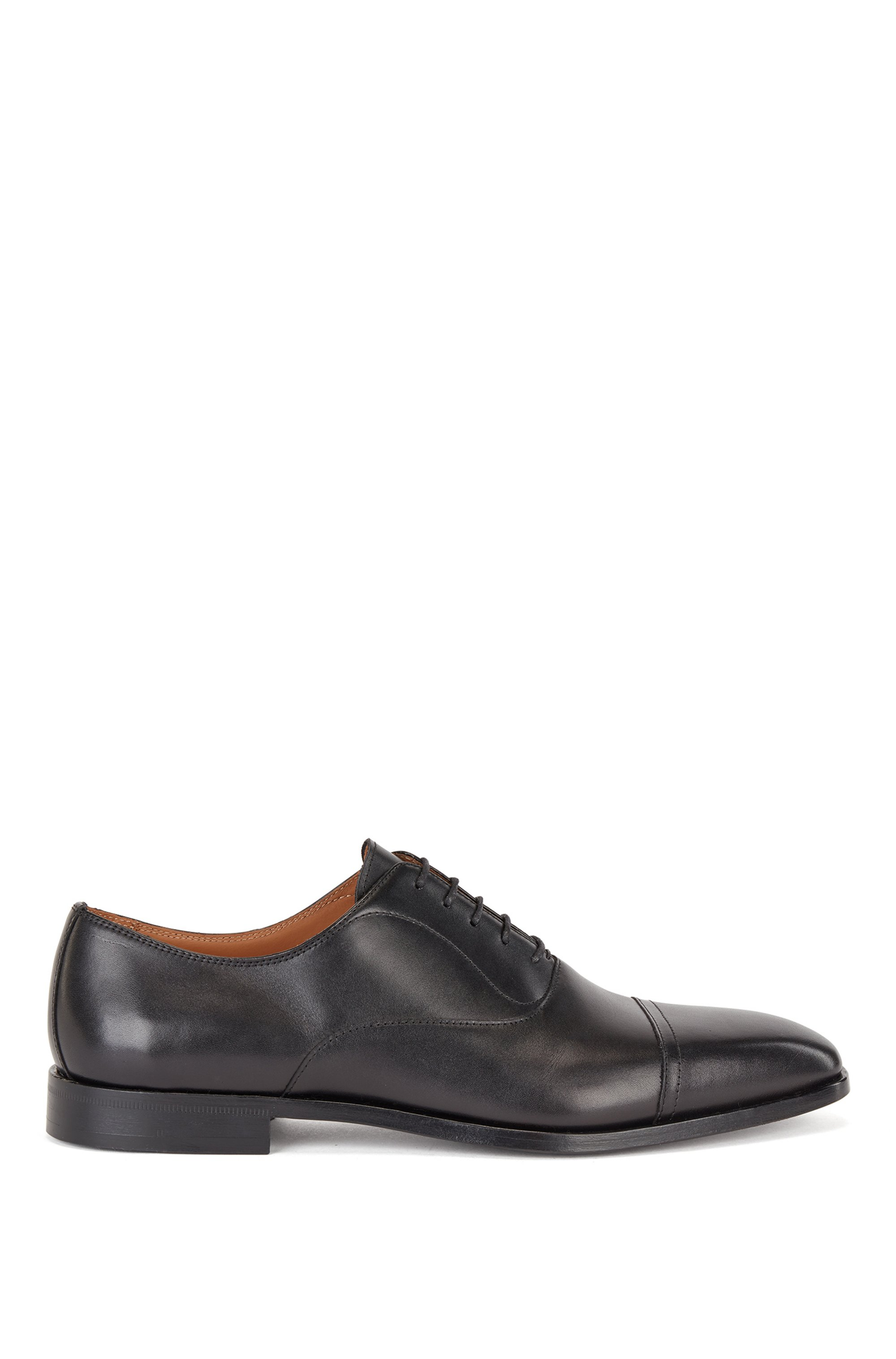 Cap toe Oxford shoes in burnished leather, Black