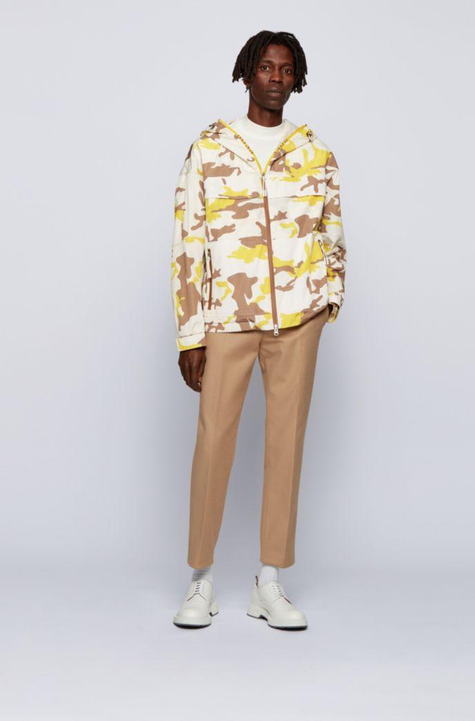 Camouflage-print windbreaker jacket with mesh panel