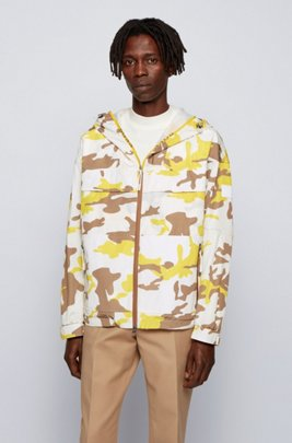 Camouflage-print windbreaker jacket with mesh panel, Yellow Patterned