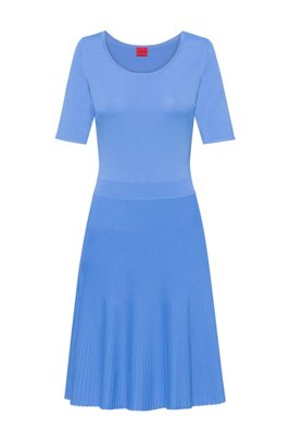 Knitted fit-and-flare dress with plissé skirt, Turquoise