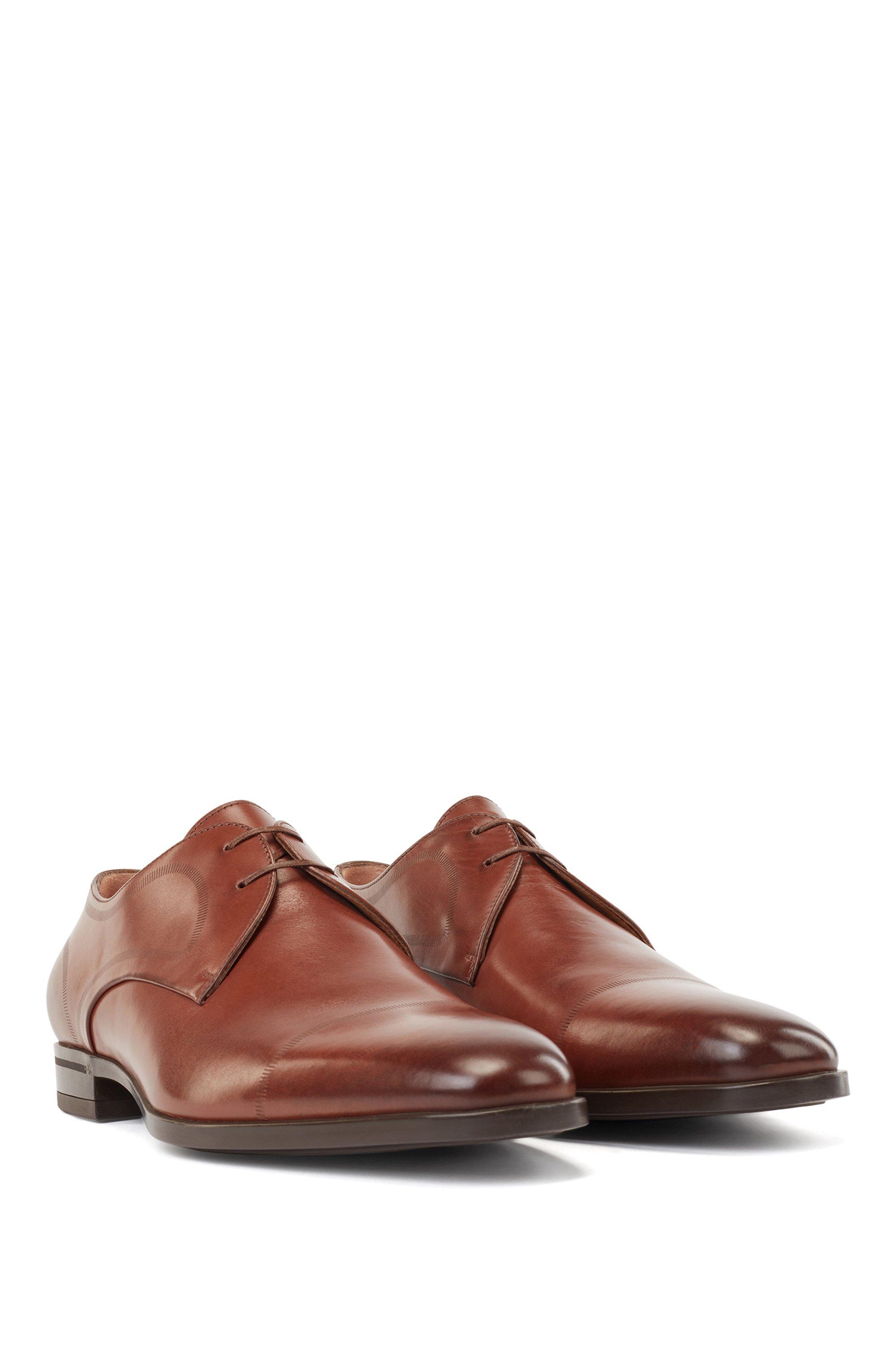 Derbyschoenen van kalfsleer met gestikt detail
