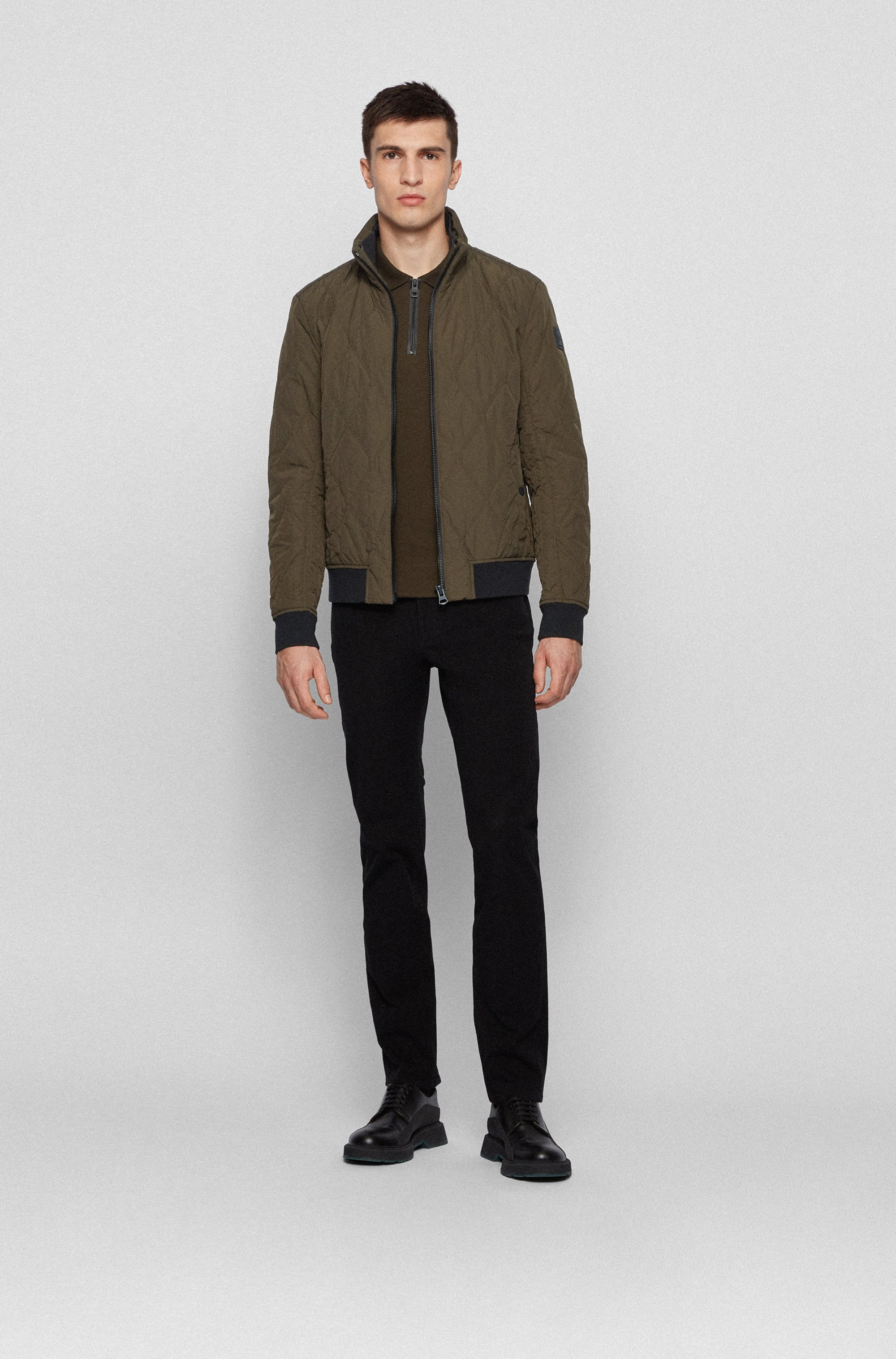 Water-repellent bomber jacket with mixed quilting