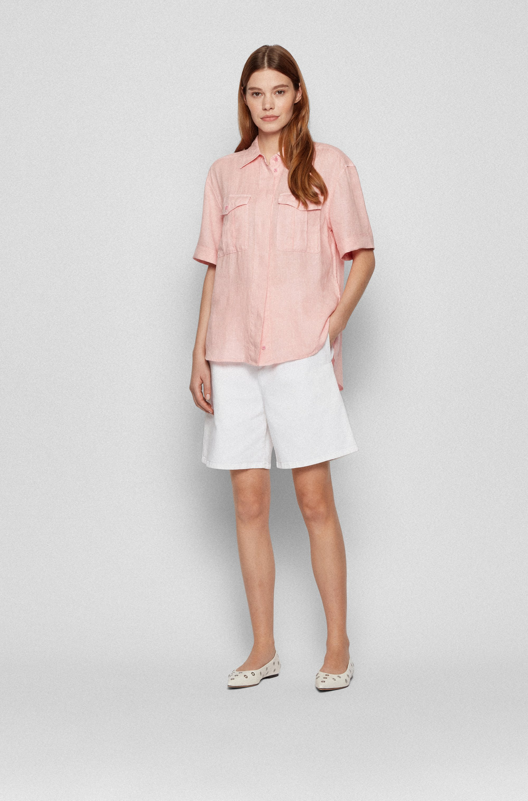 Short-sleeved linen blouse with chest pockets