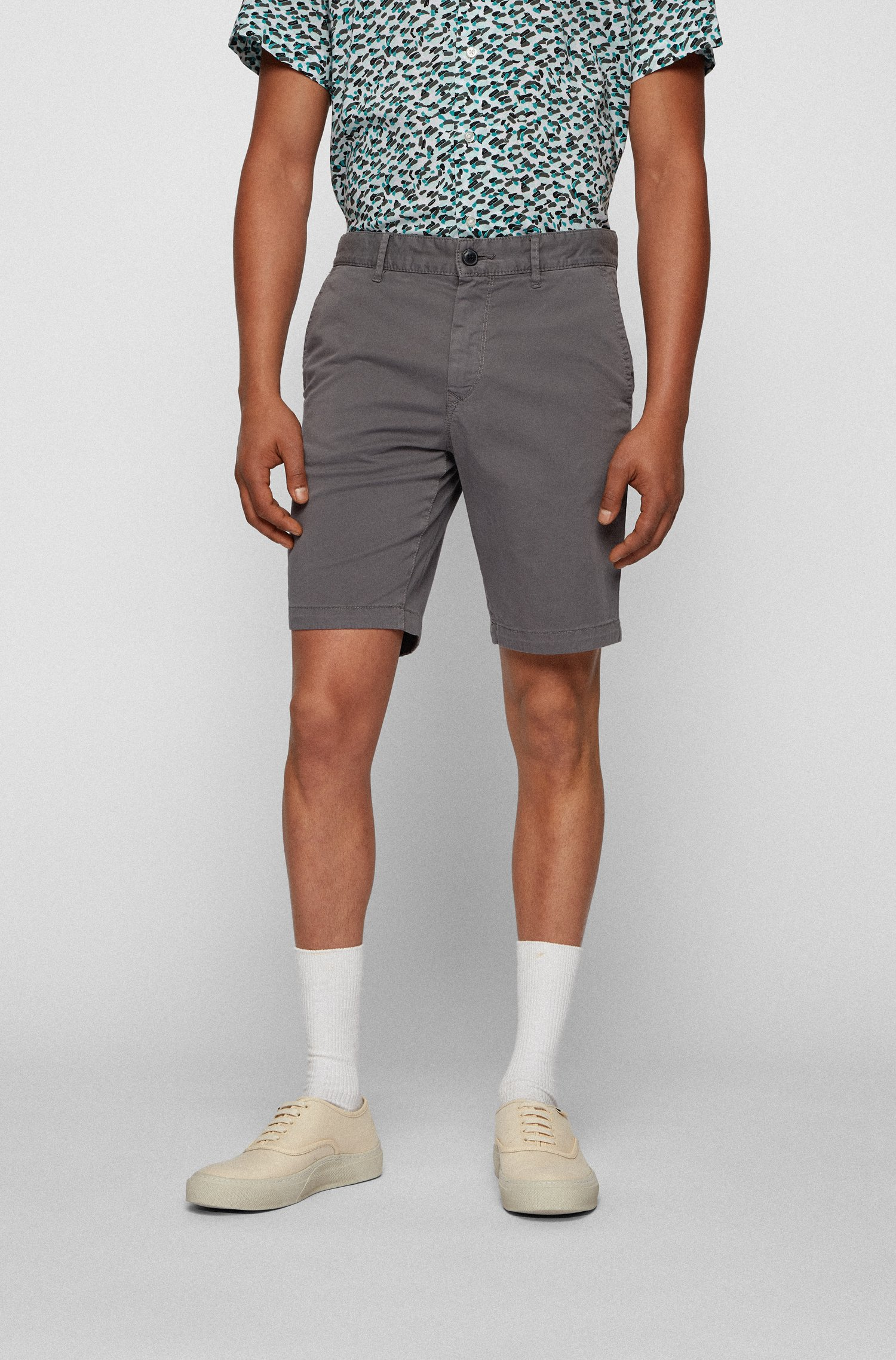 Slim-fit shorts in stretch-cotton twill, Grey