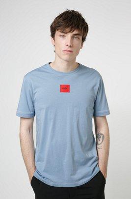 T-shirt Regular Fit en coton avec étiquette logo rouge, Bleu