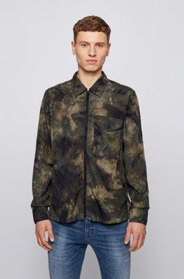 Surchemise zippée à imprimé camouflage, Beige à motif