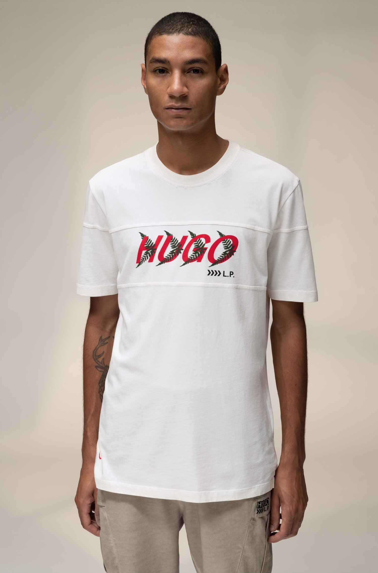 Unisex T-shirt in cotton with forest-inspired logo motif, White