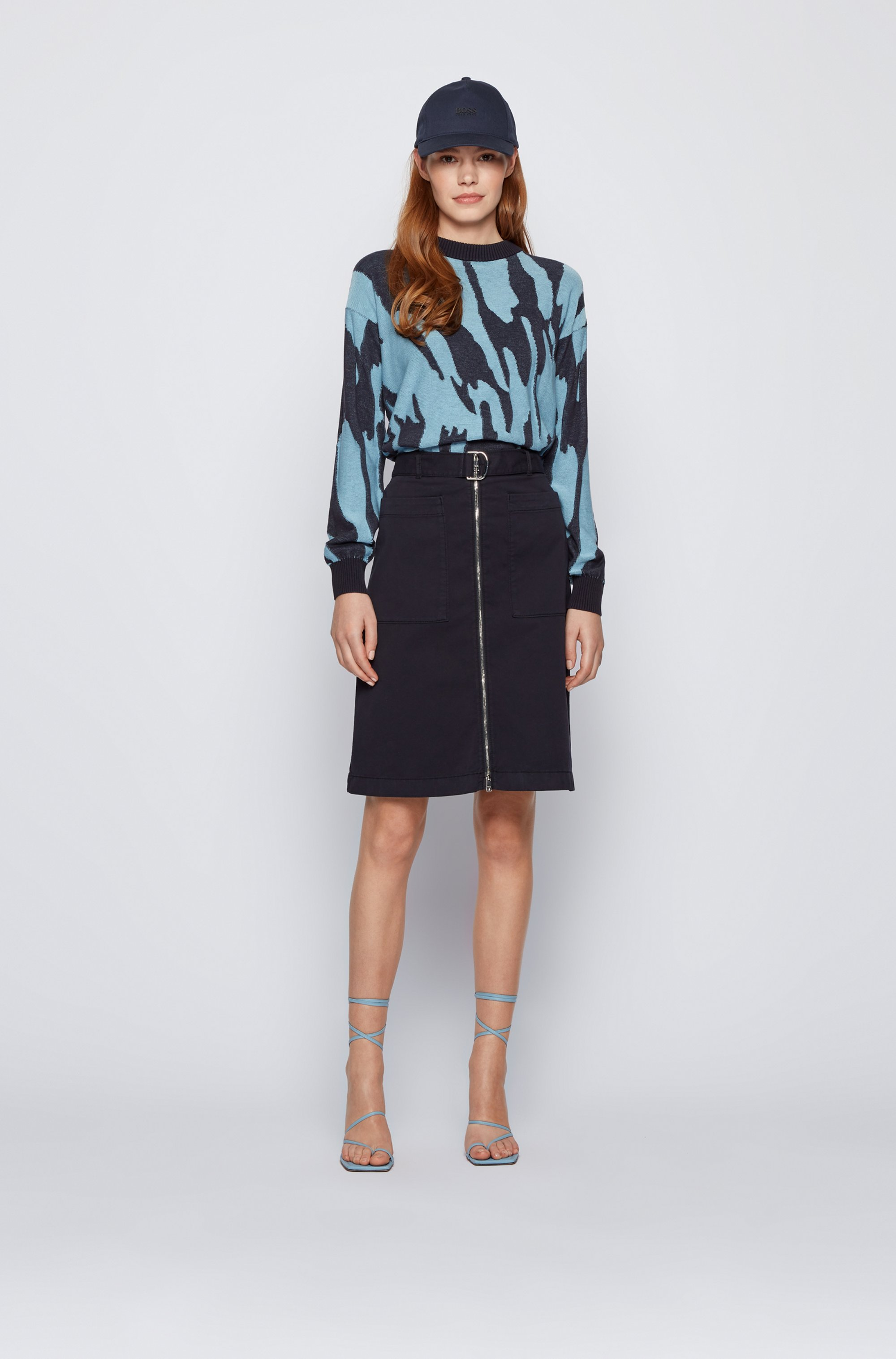 Belted chino skirt in stretch cotton