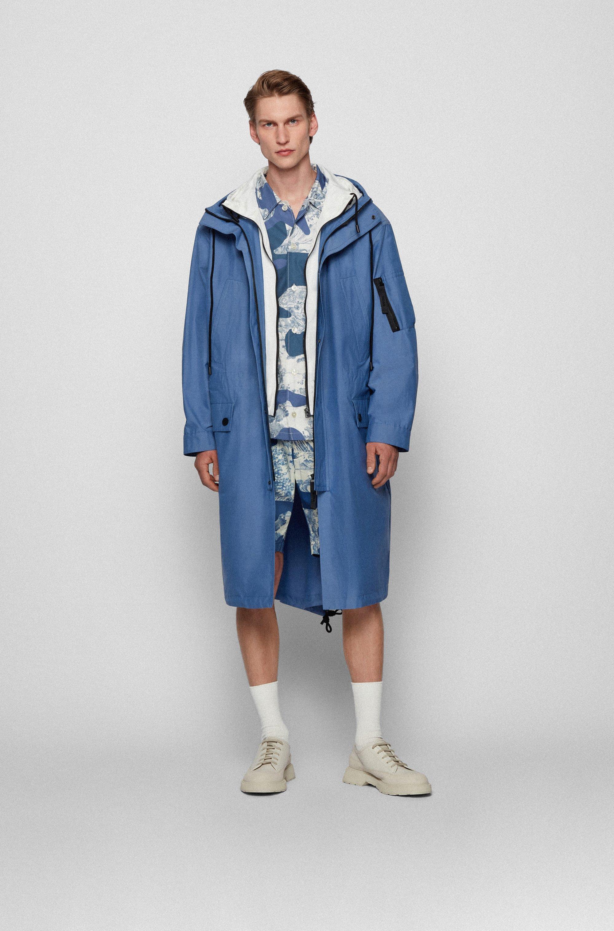 Water-repellent canvas coat with zip-through inner