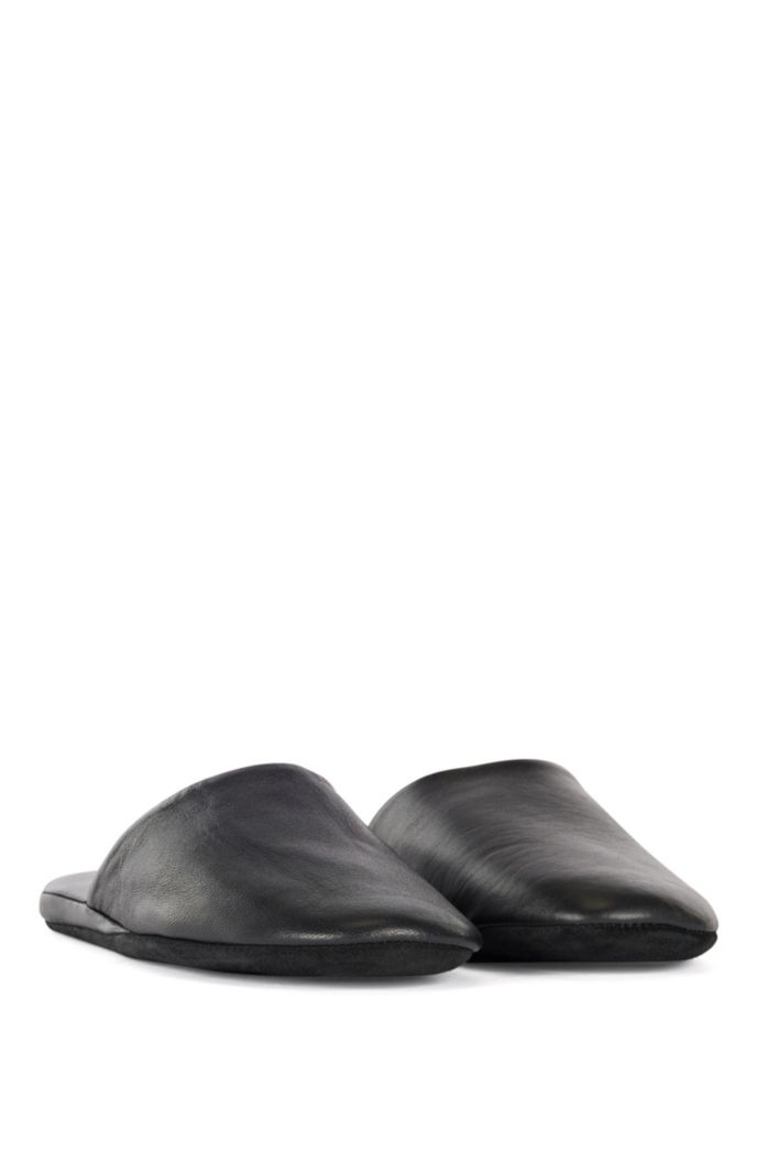 Backless slippers in leather with travel case