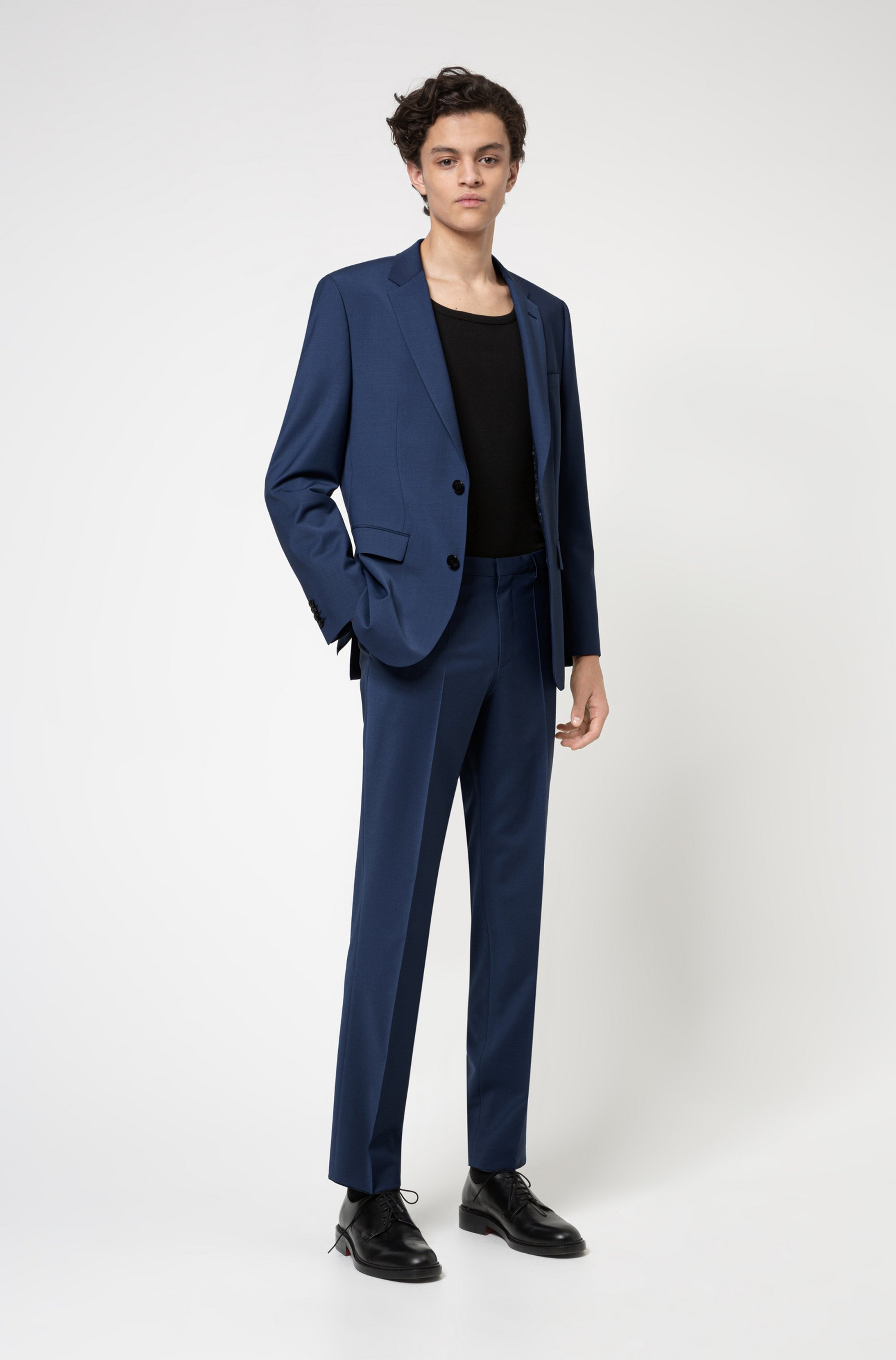 Regular-fit suit in a stretch-virgin-wool blend
