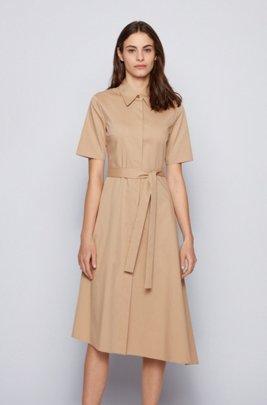 Robe-chemise en tissu stretch, à ceinture et base asymétrique, Beige