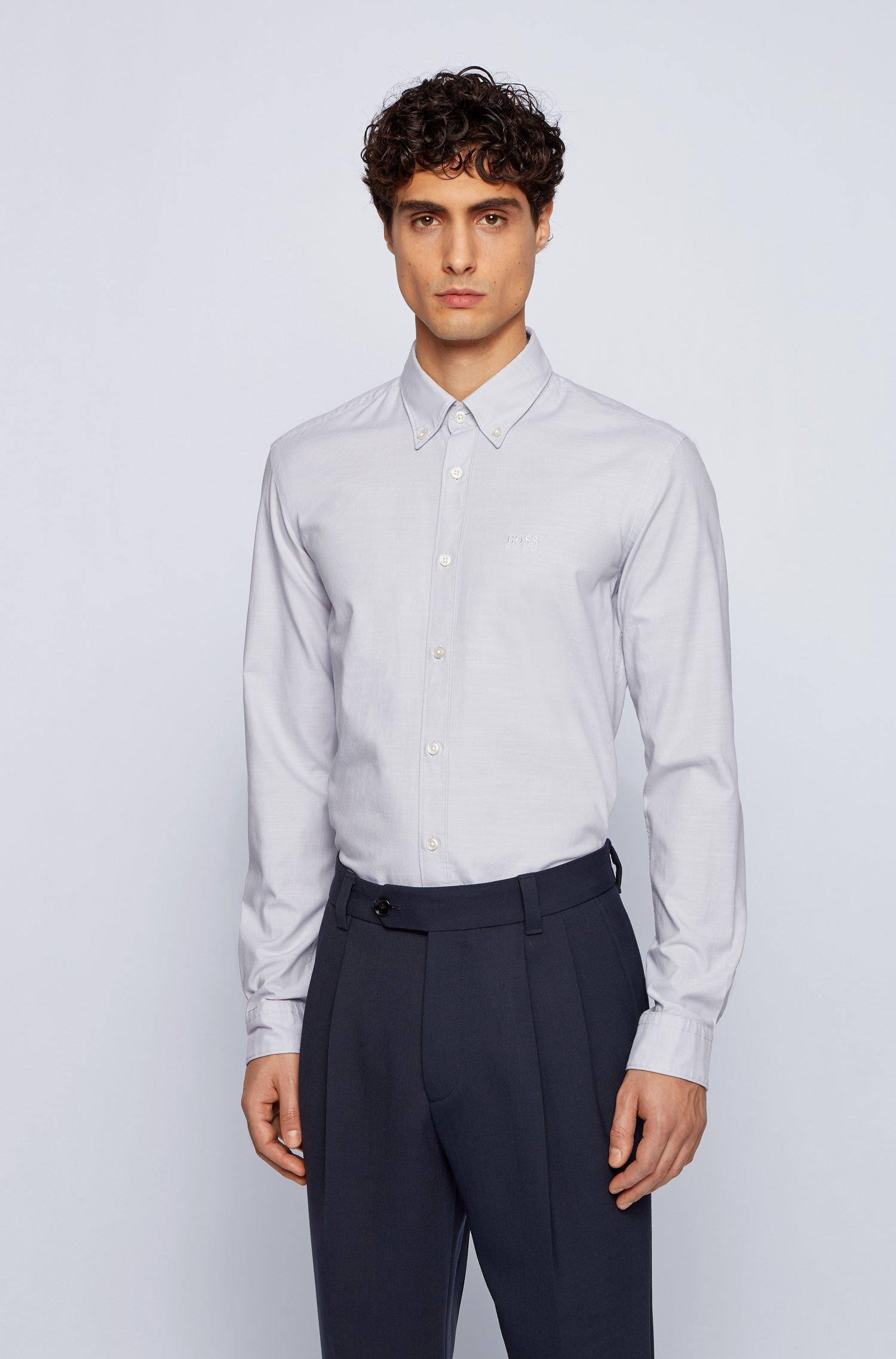 Chemise Slim Fit en coton Oxford stretch, avec col à pointes boutonnées, Gris chiné