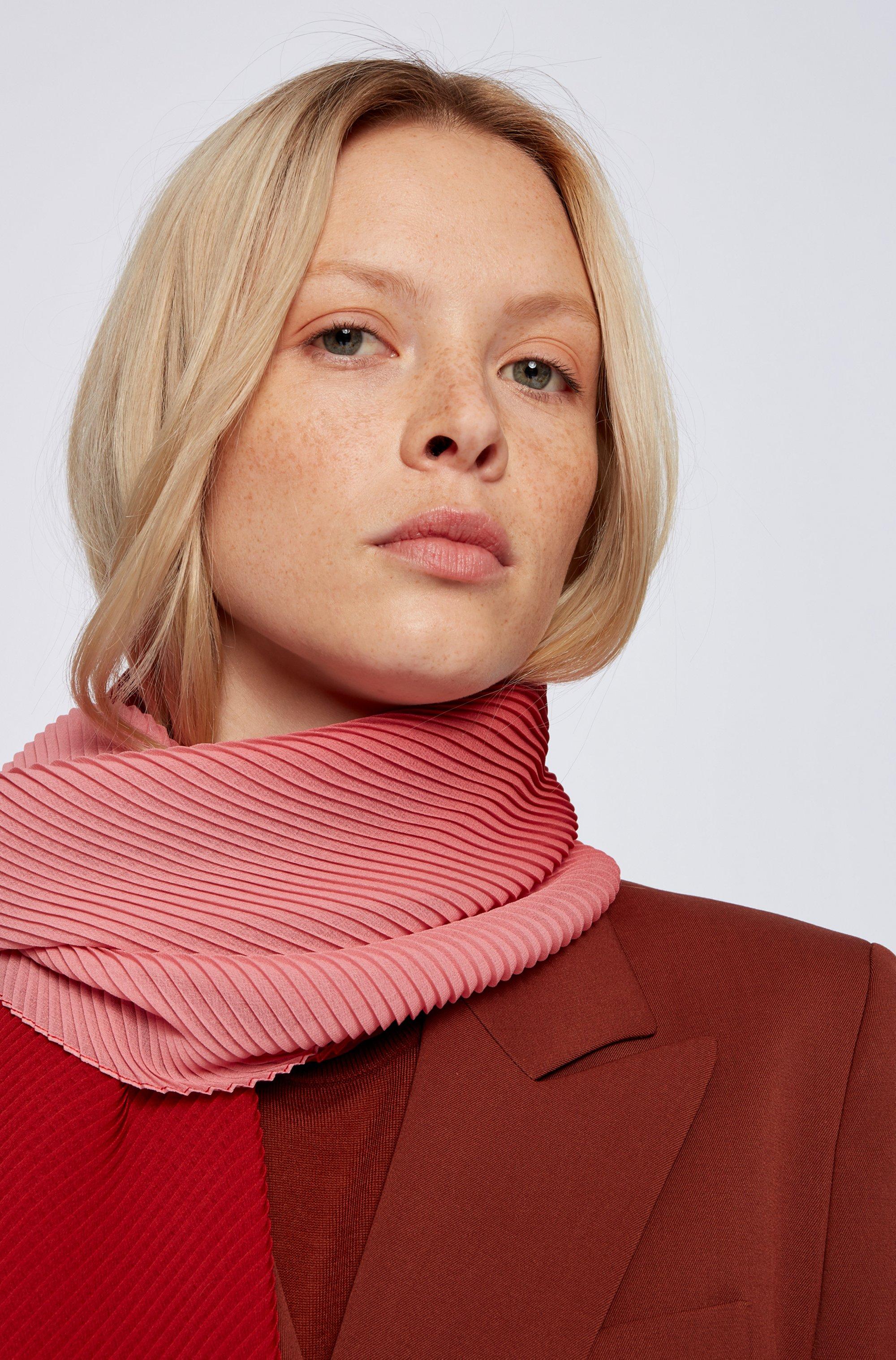 Dégradé scarf with plissé effect