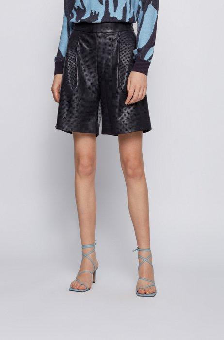 Shorts de pernera ancha en piel sintética calada, Negro