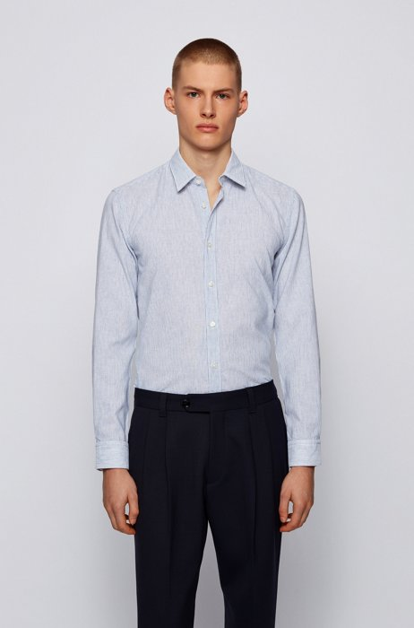 Garment-washed slim-fit shirt in patterned dobby, Light Blue