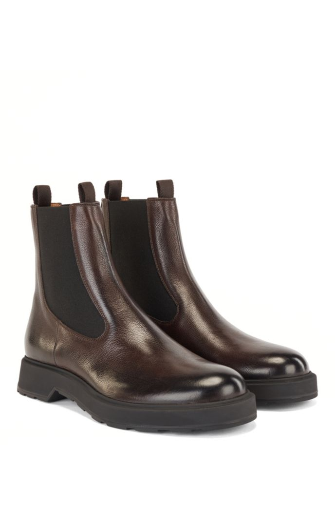 Chelsea boots in grained leather