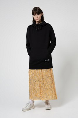 Oversized-fit sweater dress with rubber logo badge, Black