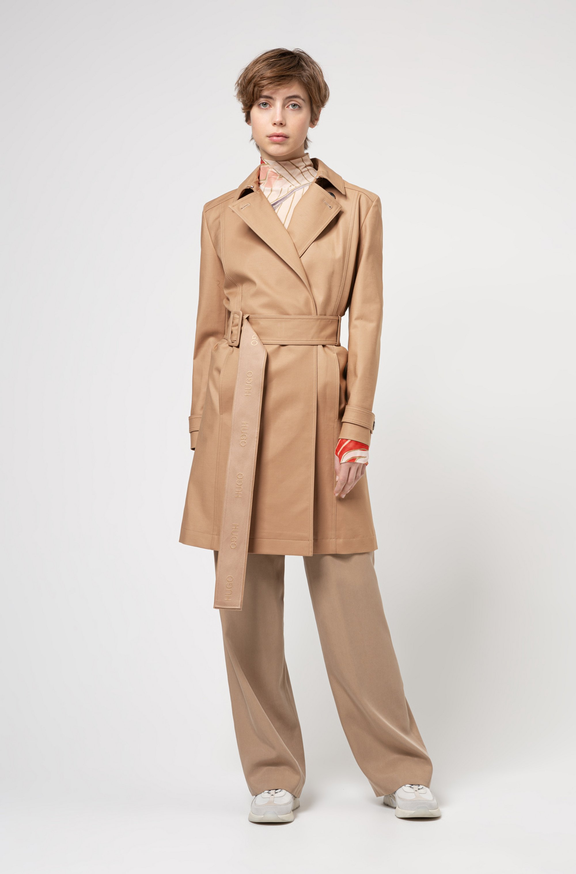 Water-repellent trench coat in organic cotton with stretch