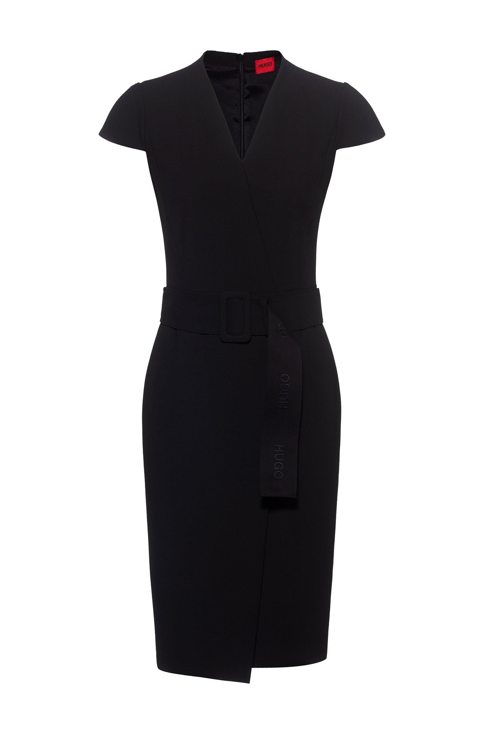 Kleid in Wickeloptik mit Flügelärmeln und Oversize-Gürtel, Schwarz