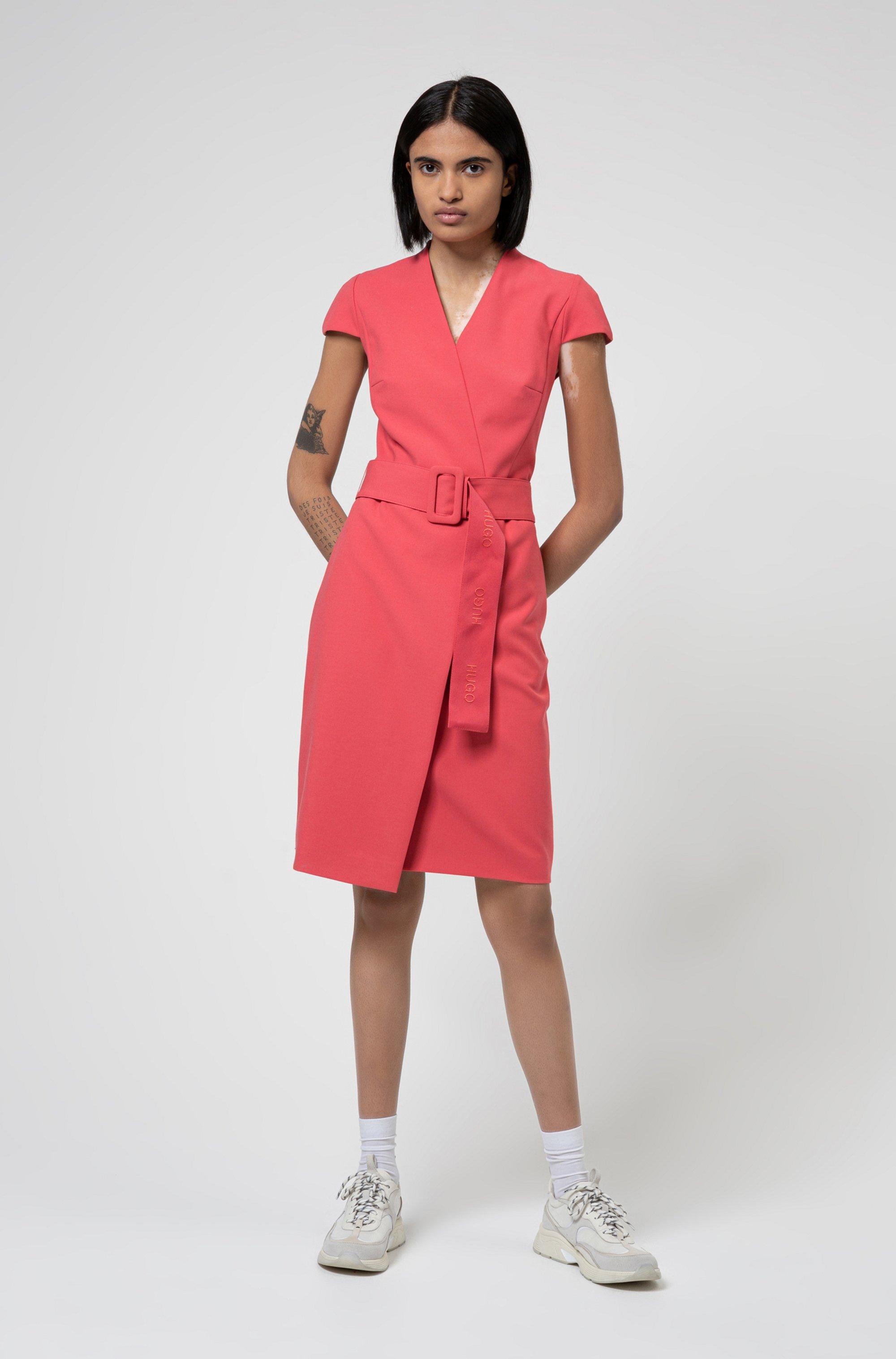 Robe portefeuille à mancherons et ceinture oversize