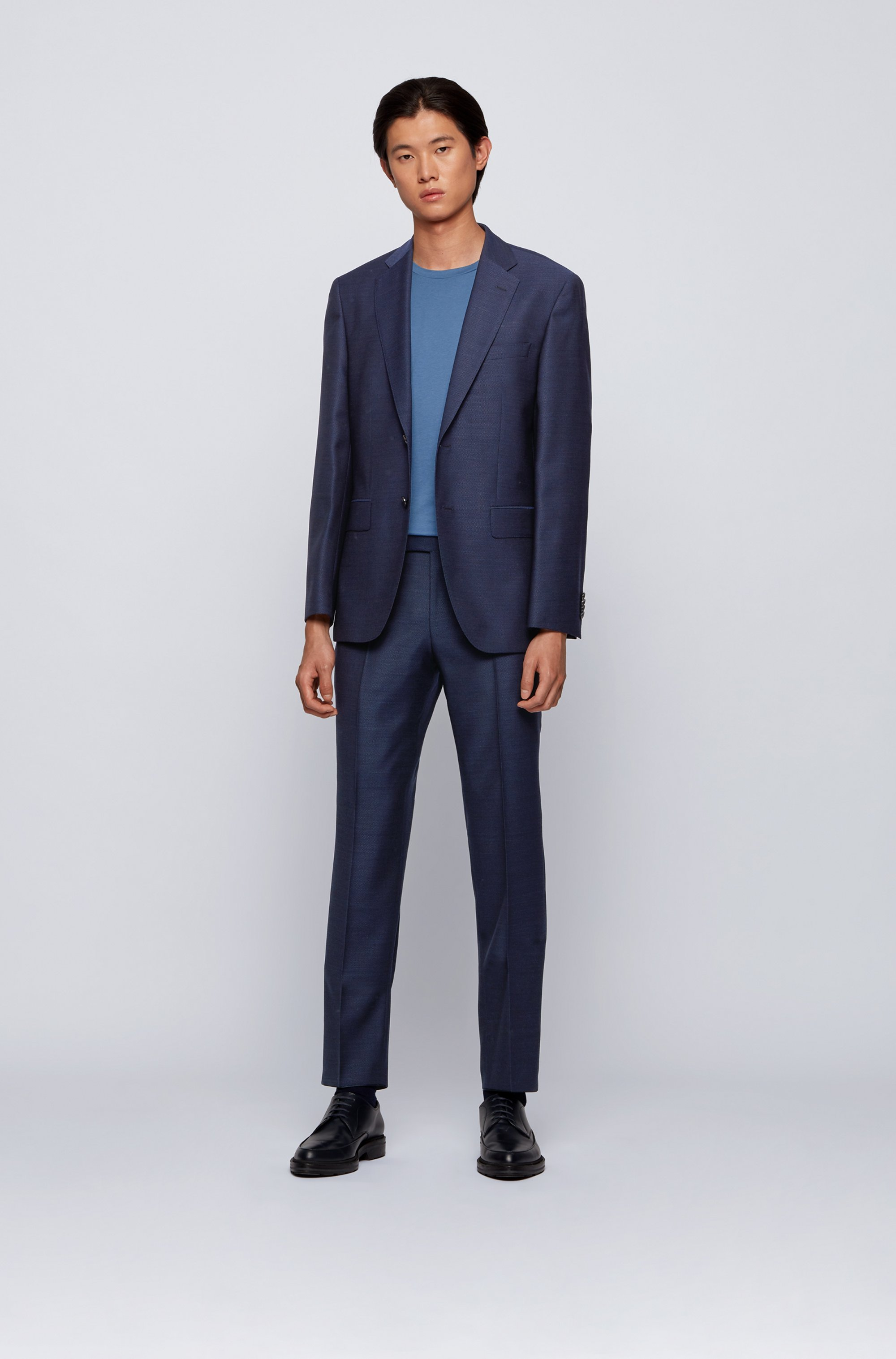 Regular-fit suit in virgin wool with natural stretch