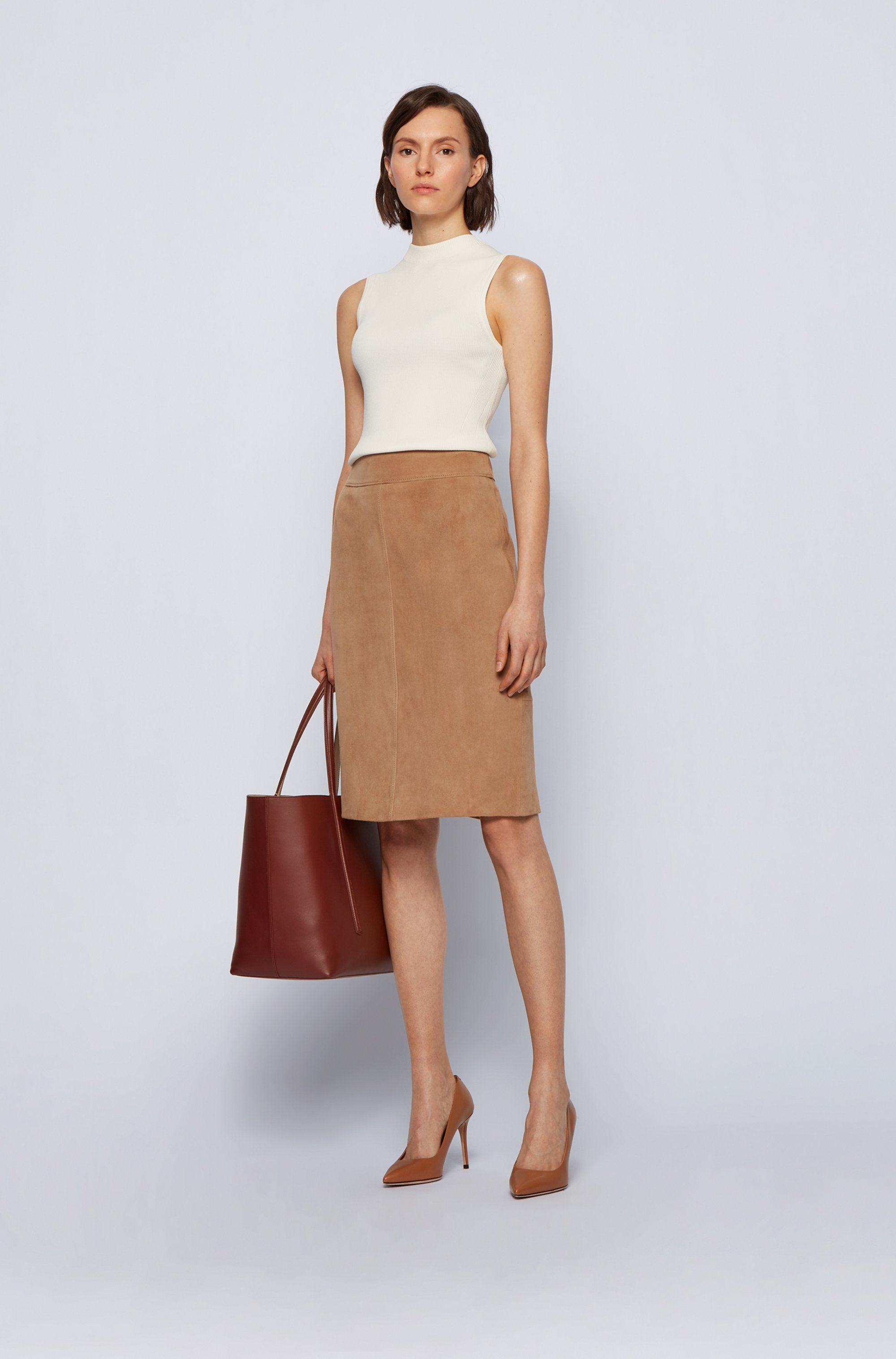 Pencil skirt in goat suede