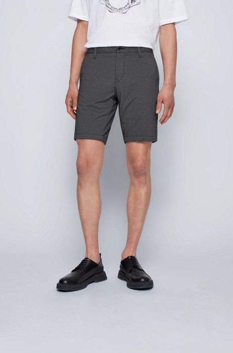 Filigran gemusterte Slim-Fit Shorts aus Stretch-Gewebe, Schwarz