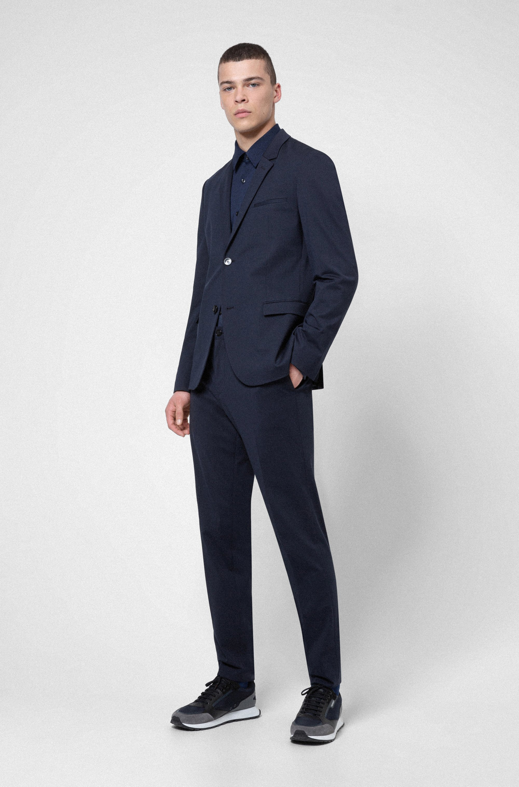 Extra-slim-fit packable suit in high-performance fabric