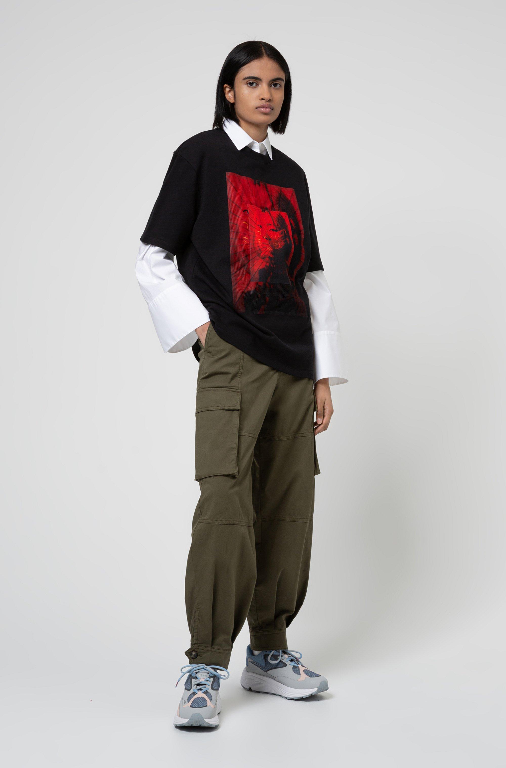 Unisex oversized-fit T-shirt with mesh geisha print