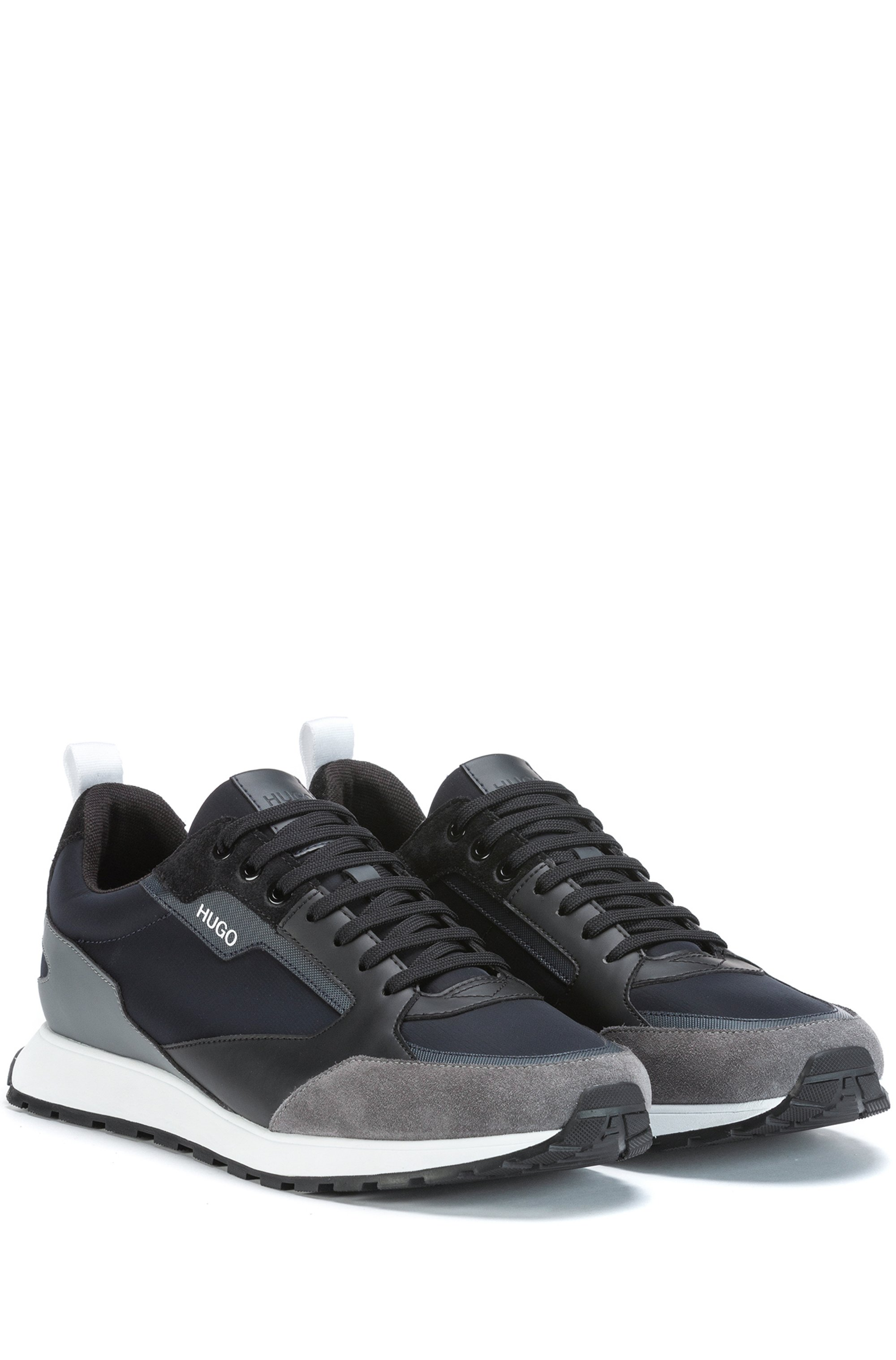 Retro-inspired trainers with suede and mesh details