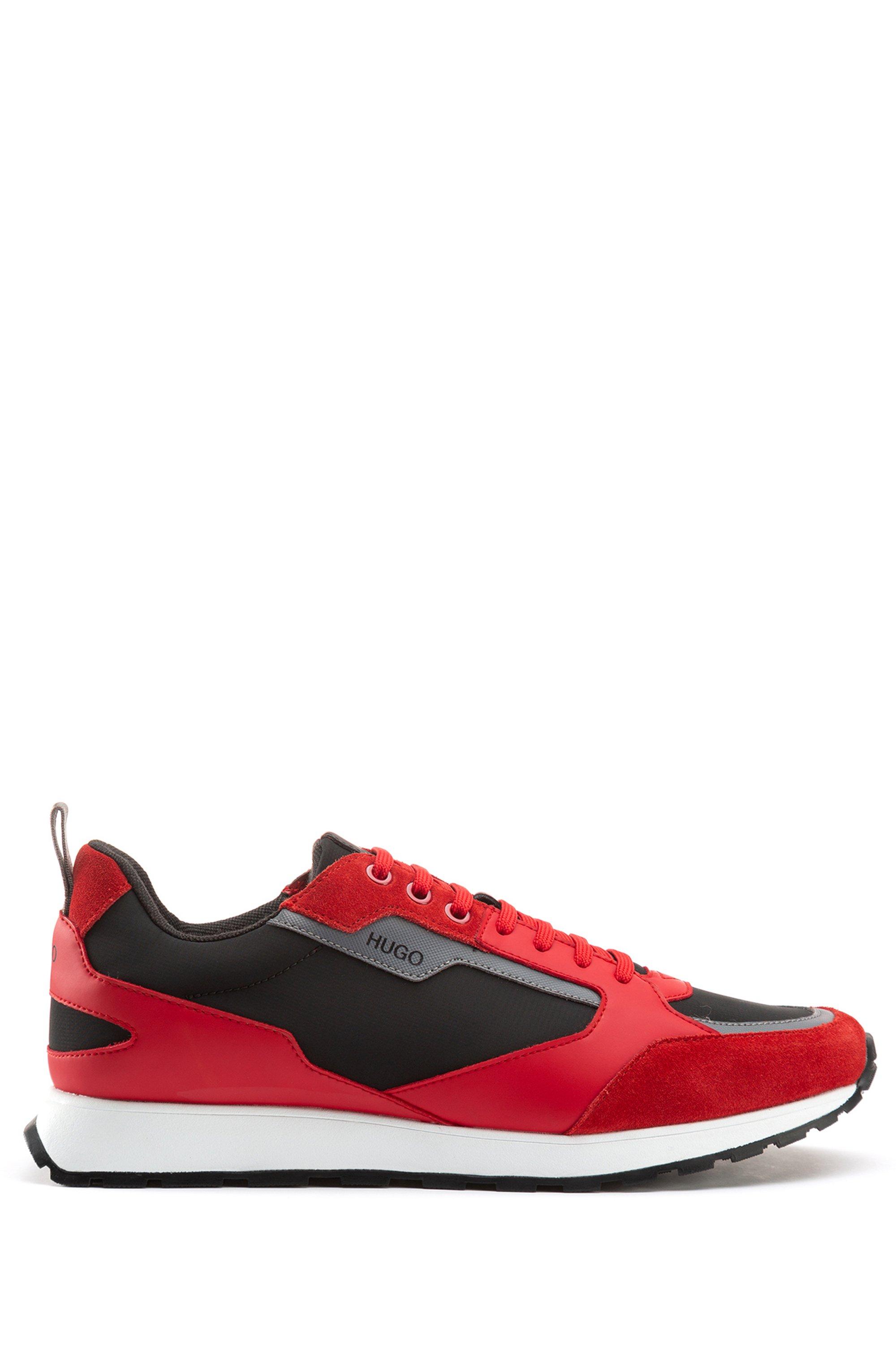Sneakers im Retro-Look mit Veloursleder- und Mesh-Details, Hellrot