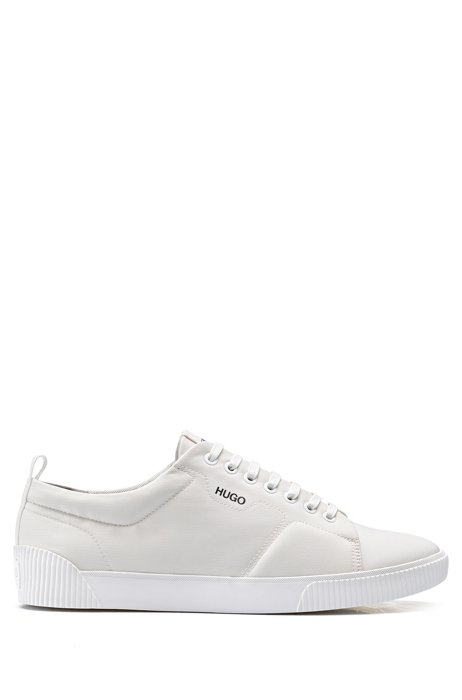 Baskets en nylon matelassé à logo contrastant, Blanc