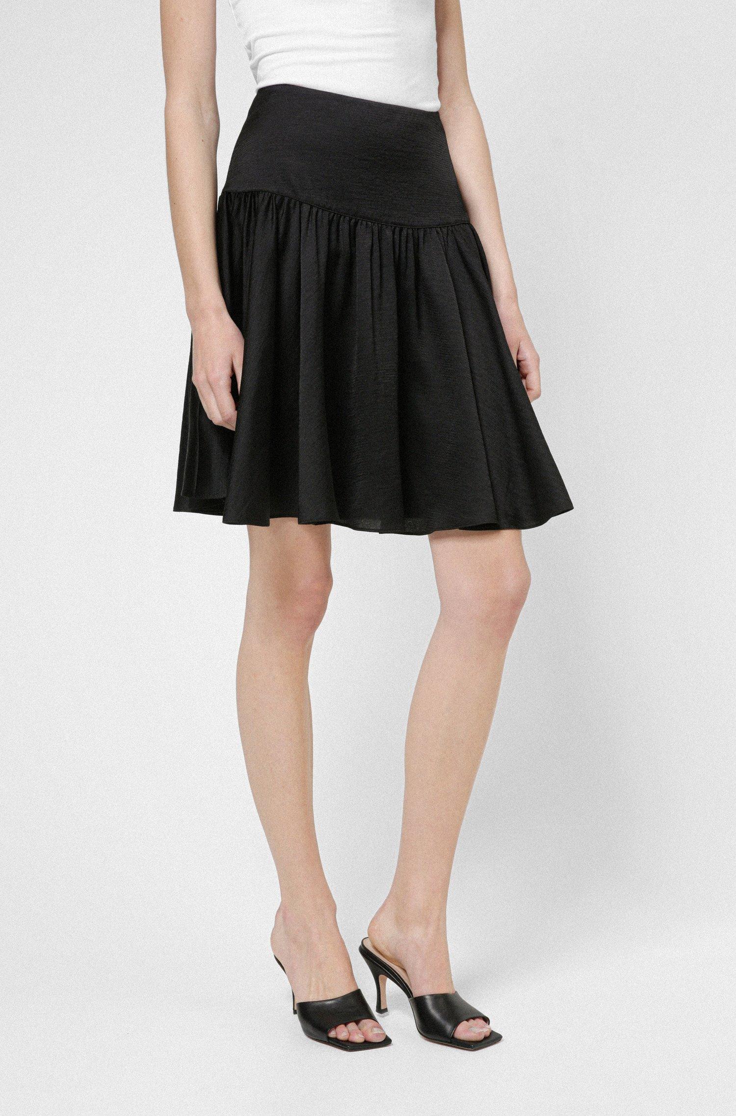 Minifalda de talle alto en tejido brillante, Negro